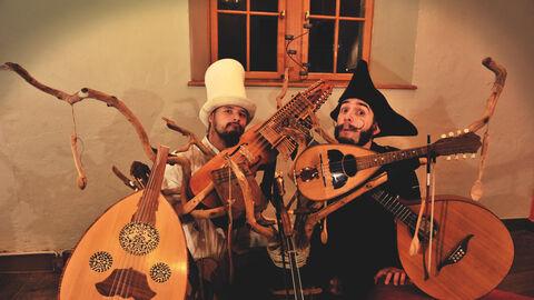 Musiques bavardes – Les grandes moustaches