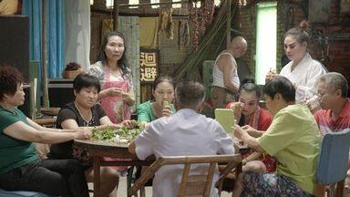 Huo zhe chang zhe (To live to sing)