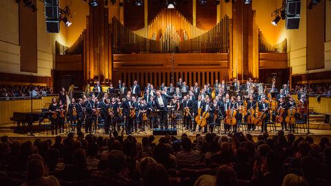 Brussels Philharmonic & Vlaams Radio Koor (femmes)