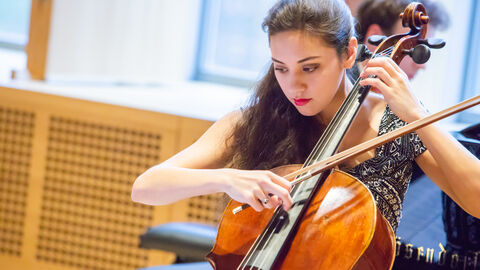 When Ysaÿe composed for Queen Elisabeth