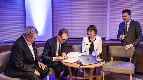 Flagey signe un accord avec le Arvo Pärt Centre