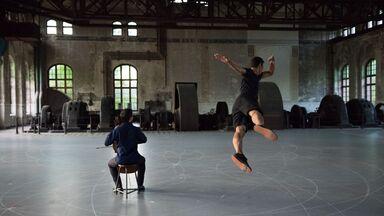 Gravity in Dance